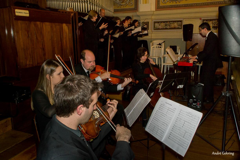 Coral e orquestra para casamento em Curitiba - Heber de Castro