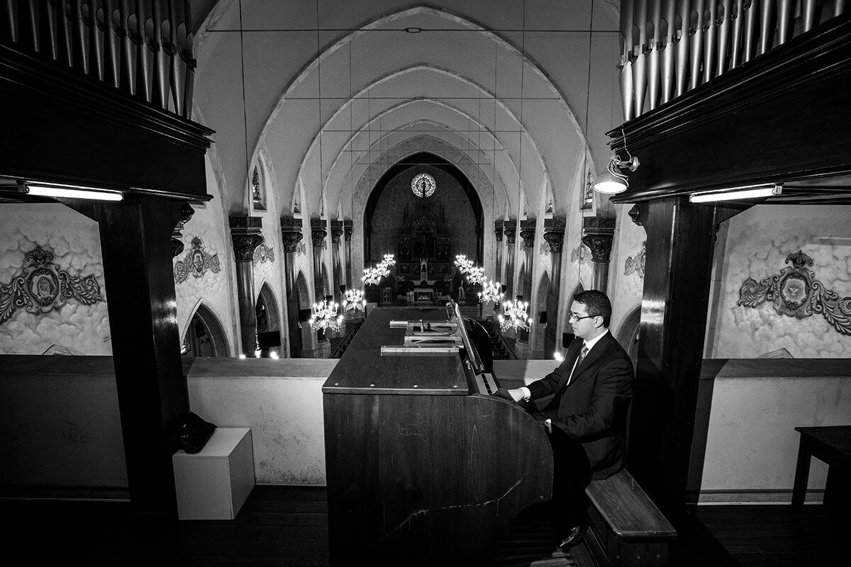 Músico em Curitiba Heber de Castro - Orgão de Tubos Igreja do Cabral